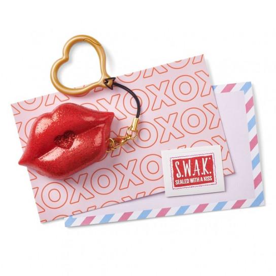 S.W.A.K. Интерактивная игрушка-брелок «Волшебный поцелуй: Голливудский поцелуй»